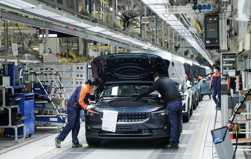 Polestar fertigt das Elektroauto Polestar 2 in Luqiao, China.