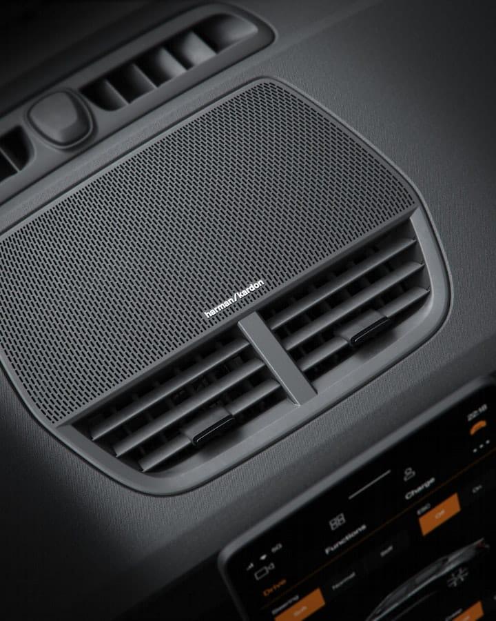 Le système audio Harman Kardon de la Polestar 2.