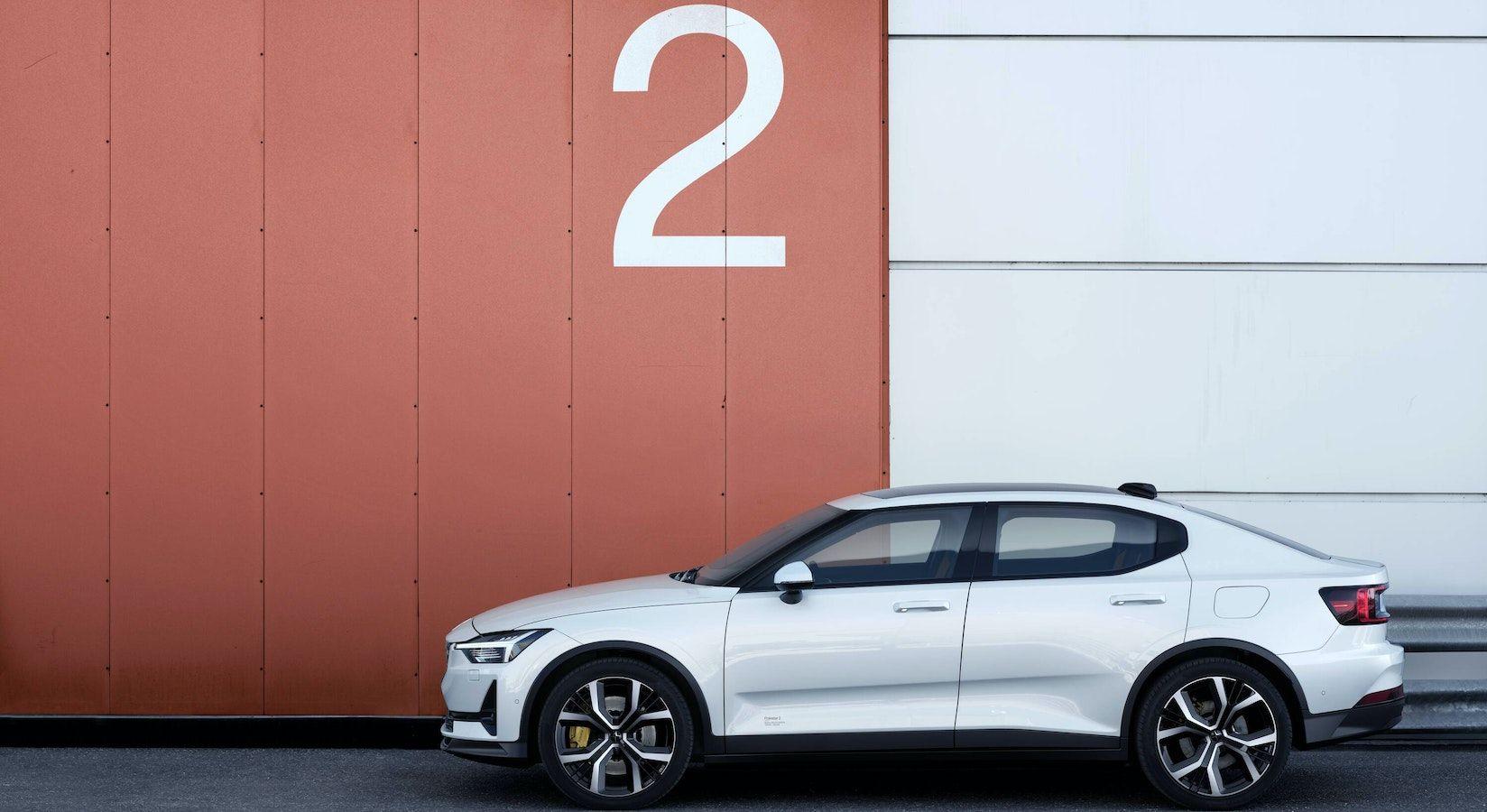 Polestar 2 : la voiture 100 % électrique primée